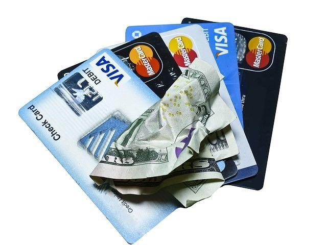 La carte de crédit ses avantages et inconvénients